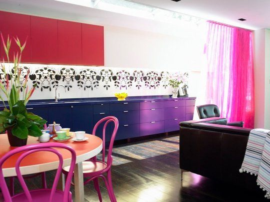 5534163_7-daring-purple-kitchens--look-we-love_tf9d56f90